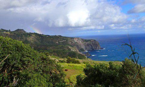 West_Coast_Maui_and_Rainbow