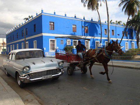 Cuba_Travel_Cienfuegos_Old_Car_Horse_Drawn_Cart_by_Heidi_Siefkas
