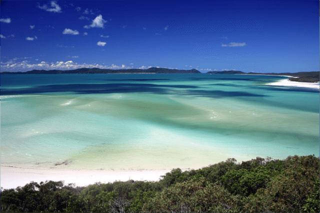 Whitehaven_Beach_Australia