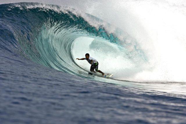 Bali_Surfing_Image_of_Dede_Suryana