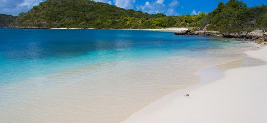 How to Have a Luxurious Adventure in Antigua and Barbuda