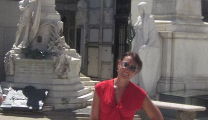 Ms Traveling Pants at Recoleta Cementery