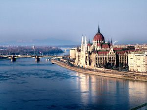 Short Guide to Budapest
