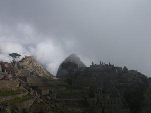Sunrise_Machu_Picchu_with_Mystical_Clouds