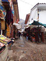 Open_Air_Market_in_Pisac_Peru