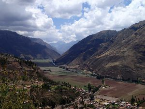 OVerlookg_from_Cusco_to_Pisac_in_Peru's_Sacred_Valley