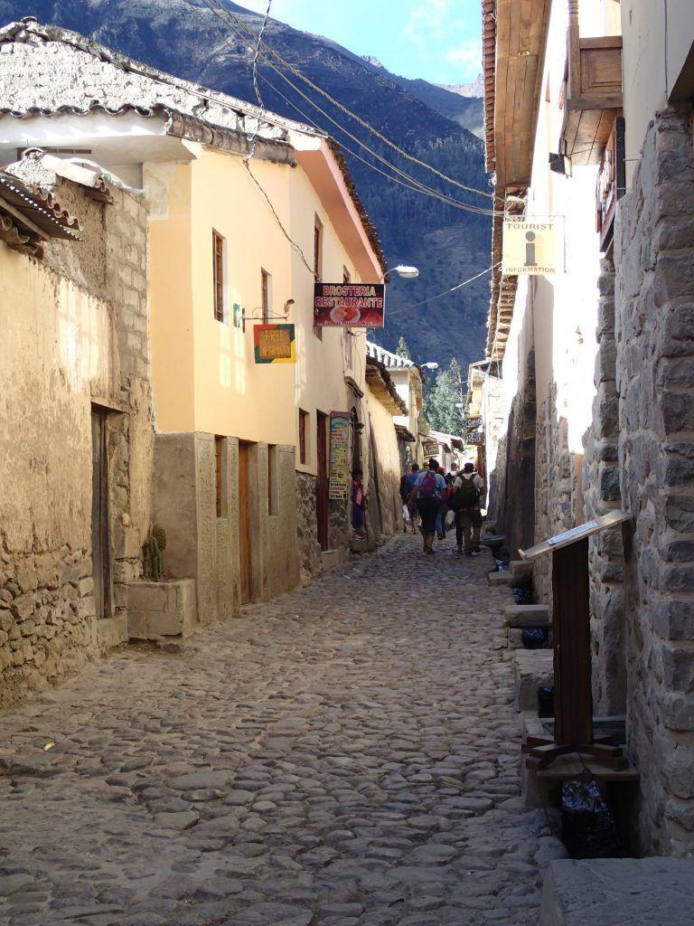 Streets_of_Ollantantaytambo_Peru's_Sacred_Valley