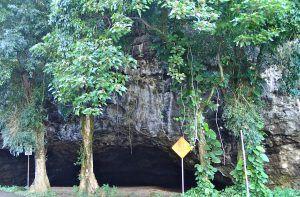 Haena_State_Park_Kauai_Maniniholo_Dry_Cave