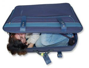 Living_Out_of_a_Suitcase_Packing_tips_Ms_Traveling_Pants