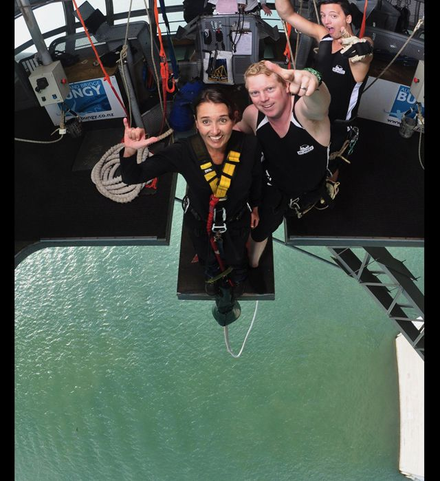 Pre_Bungy_Jump_New_Zealand_Ms_Traveling_Pants