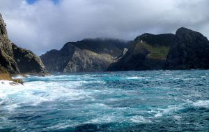 Greys_Hole_and_Cape_Brett_in_the_Bay_of_Islands_New_Zealand