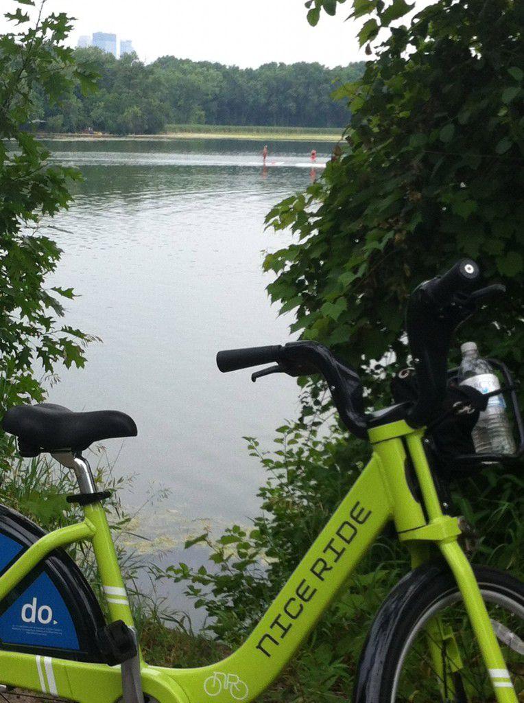 Cedar_Lake_Bike_Trail_Minneapolis