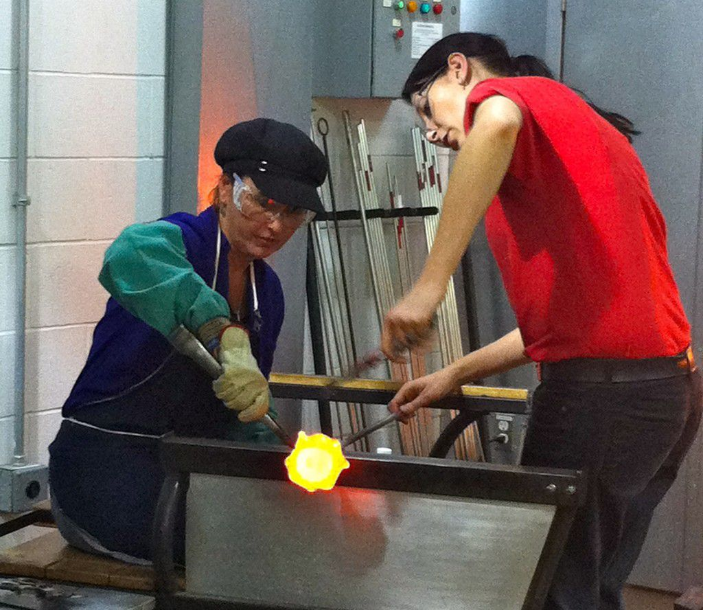 Glass_Blowing_In_Action_Make_Your_Own_Glass_Class_Corning_Museum_of_Glass