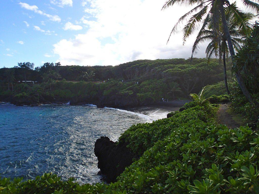 Black_Sand_Beach_Road_to_Hana_Maui_Travel