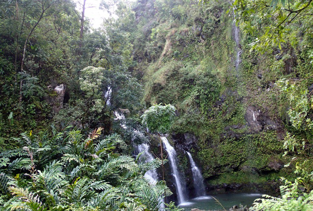 Waterfalls_along_the_road_to_Hana_Maui_Trave