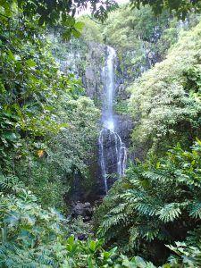Waterfall_Road_to_Hana_Maui_Adventure_Travel