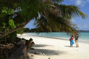 Seychelles_Beach_Ms_Traveling_Pants