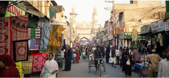 Top Three Things to Do in Hyderabad India: Architecture, History, and Shopping